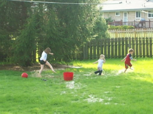 Messy-Play-in-the-Yard