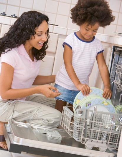 mom-and-daughter-chores